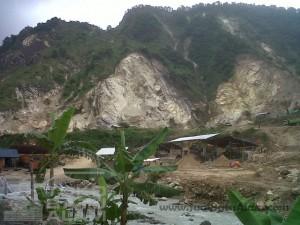 Gunung Batu Alam Indonesia