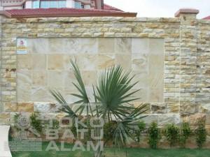 contoh pemasangan batu palimanan RTA untuk dinding