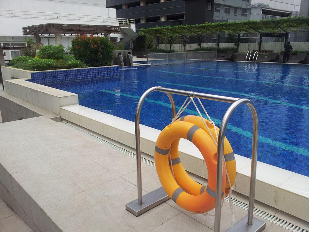 Keramik Kolam Renang Kuda Laut Mass - Courtessy Hotel Pullman Jakarta