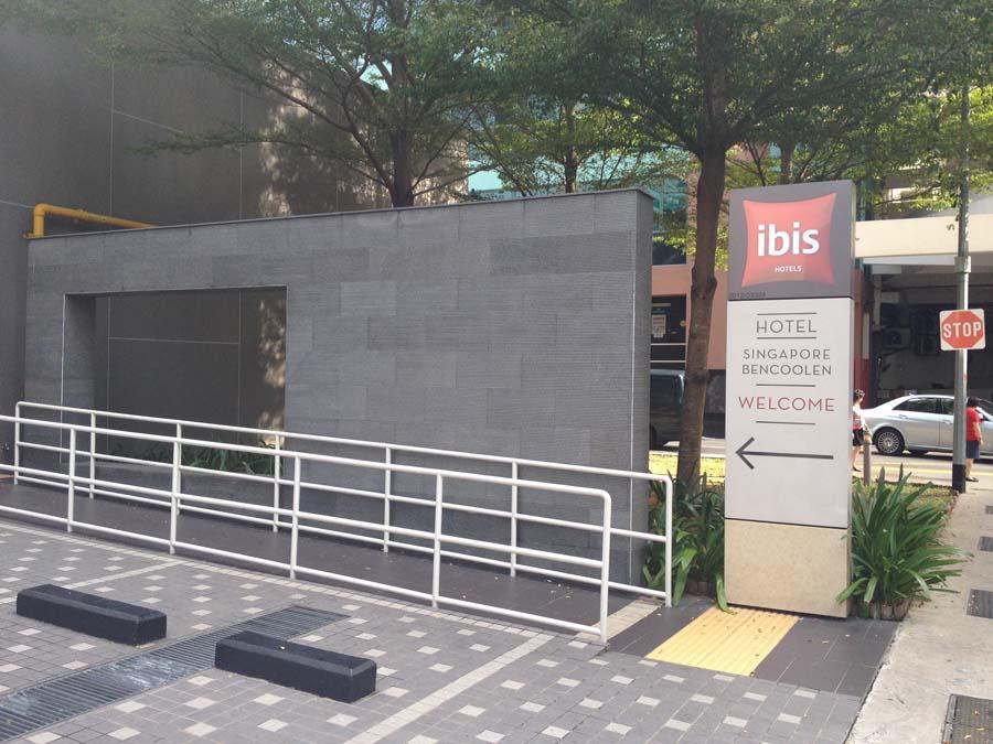 Basalt-Wall-Cladding-At-Ibis-Singapore-Bugis3