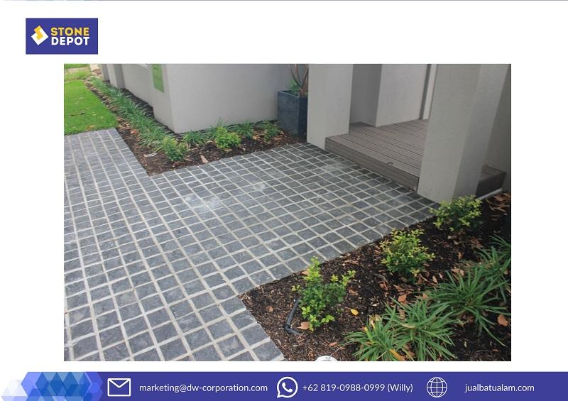 batu-alam-andesit-carport-rumah-minimalis